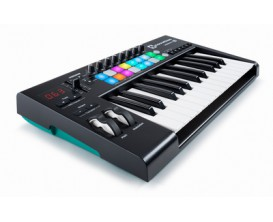 NOVATION Launchkey 25 MK2 - Clavier maître 25 touches grand format